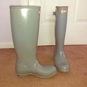 Size 6 Grey Hunter Boots